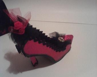 Handmade Stiletto High Heel Shoe Favor/Gift Box Keepsake with designer shoe box for display