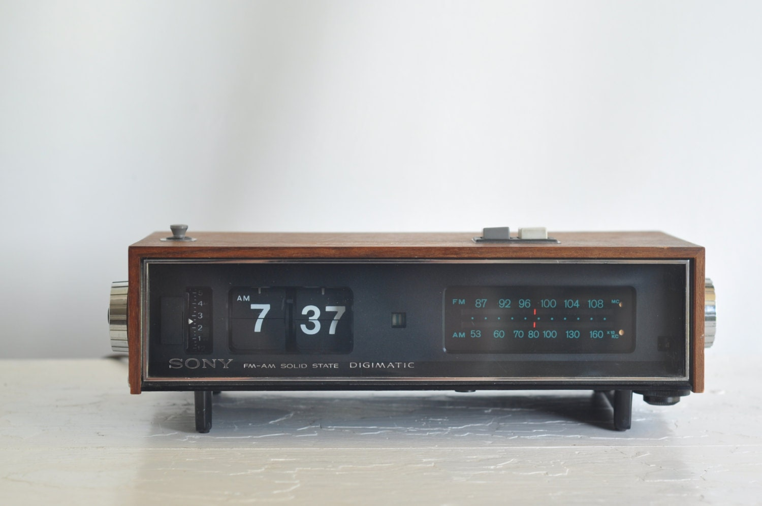 sony 1968 vintage clock radio alarm clock by vintagemindedmaven. Black Bedroom Furniture Sets. Home Design Ideas