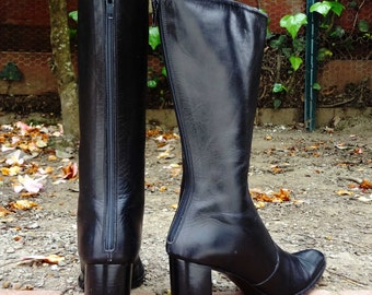 Made in Italy -  Black pointed leather boots w/ chunky heel ( Sz 6, Eu 36 )