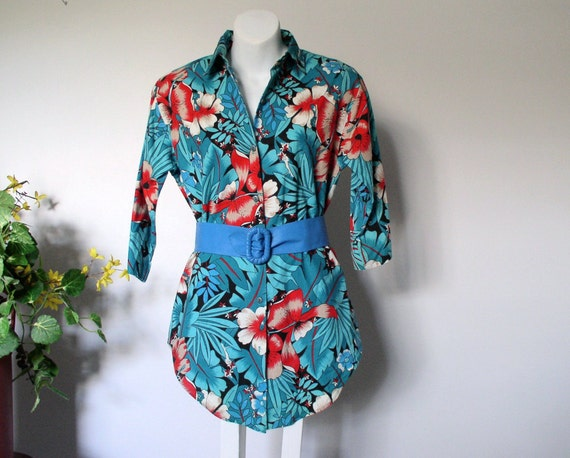 Vintage Floral Blouse Tropical Hibiscus Flower Turquoise Women's Shirt Island Style 1980s Small