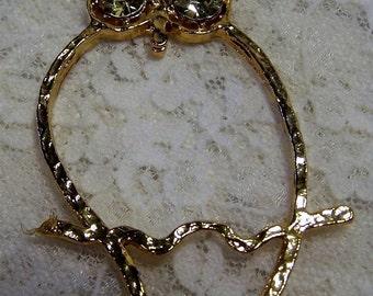 Vintage Retro Owl Pendant Gold Tone w Peridot Green Yellow Topaz Rhinestone Eyes, 1970s Jewelry
