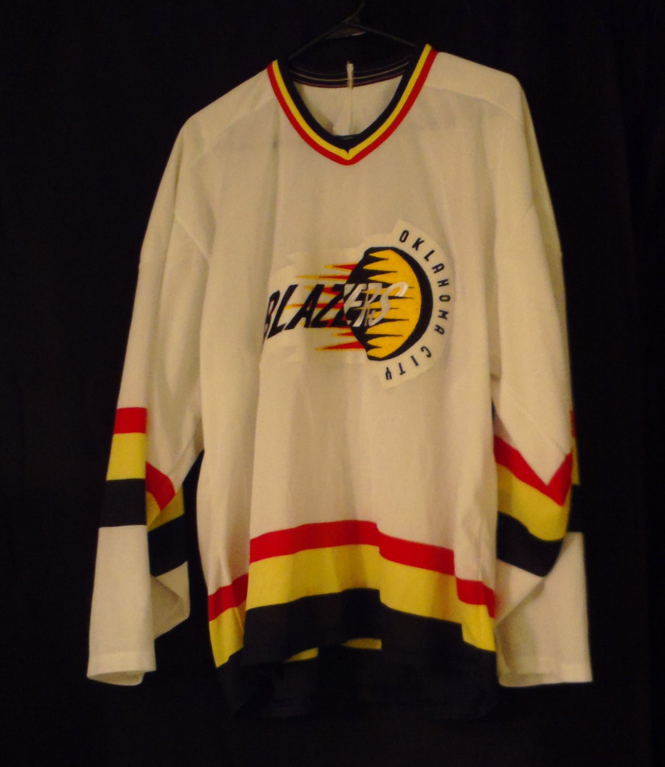 Oklahoma City Blazers Defunct CHL Hockey Team White Used L/XL