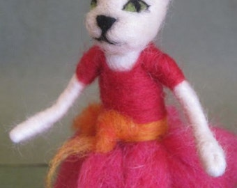 Needle Felted Cat Girl, Elegant cat, Cat in pink, Waldorf toy, white cat, felted doll, needle felted kitten, decoration, MADE to order