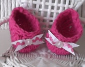 Baby Slipper....Newborn Size and 0 to 3 Month Size...Baby Girl.....Hot Pink.. Ribbon & Button Accent...Perfect Gift..Comfy...READY TO SHIP