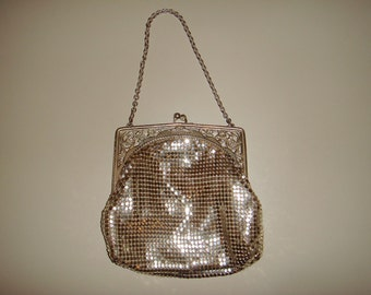 SC Vintage Whiting and Davis Silver Mesh Purse