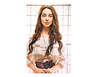 Amber Crystal Convertible Bodychain Necklace featured on CW's Reign Celebrity Adelaide Kane