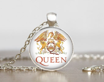 Queen Jewelry pendant