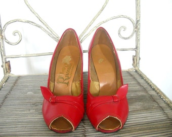 50s Pumps - peep toe shoes - red high heels - stilettos - red pumps - Ruccelli - pin up shoes - 5.5
