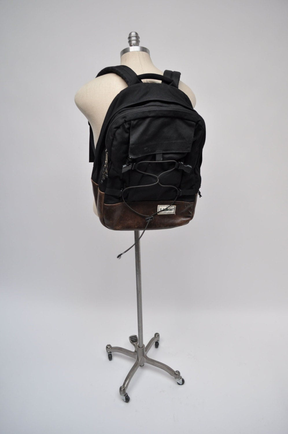 vintage rucksack leder boden ll bean tragen auf daypack. Black Bedroom Furniture Sets. Home Design Ideas