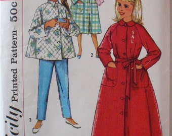 Girl's Vintage Sewing Pattern - Lounging Pajamas and Robe - Simplicity 2755 - Size 8, Breast 26, Uncut