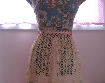 Vintage 1940's Apron, Crocheted Pink, Green