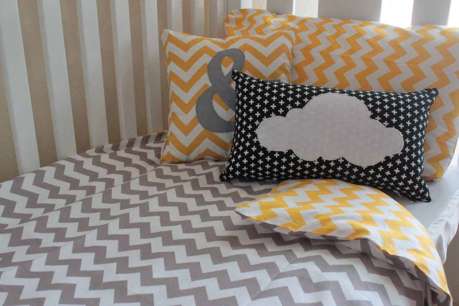 New grey and yellow chevron cot quilt cover baby quilt cover for Housse de couette noir et gris