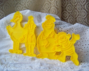 Vintage Sesame Street Cookie Cutters Yellow Big Bird Cookie Monster Bert and Ernie Yellow Plastic Cookie Cutters 1970s