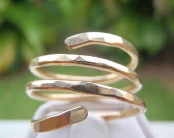 Hand Crafted Triple Band Design Gold Ring
