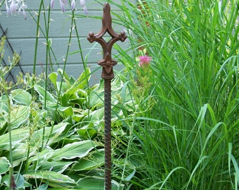 Rusty Steel Garden Stake, Garden Decor, Decorative Garden Stake, Garden Decor, Decorative Plant Stake
