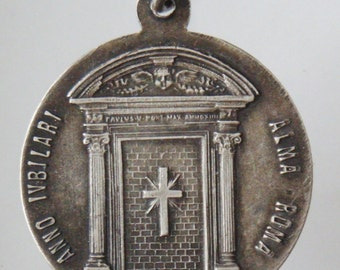 Vintage Vatican Religious Medal Pendant with Pope Pius XI on 18 inch sterling silver rolo chain