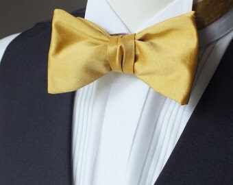 Silk bow tie - mustard colour - adjustable, self tie, freestyle, handmade by Bagzetoile bow ties in France. Ready to ship.
