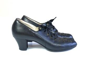 vintage 1930s BLACK cut out BABYDOLL HEELS pumps 6.5 lace up pinup leather shoes