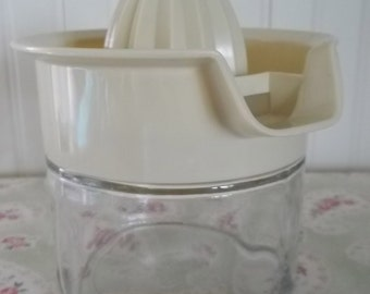 ViNtaGe Gemco Two Piece Kitchen Juicer