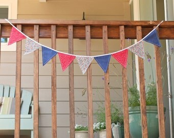SALE! Patriotic banner, Red White and Blue bunting, Fourth of July Bunting, Memorial Day Decoration