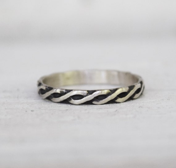 Celtic Knot Ring - Wedding Ring - Helix Ring - Patterned Band - Your Size - Gift For Her - Infinity Ring - Twist Pattern - Endless Knot Ring