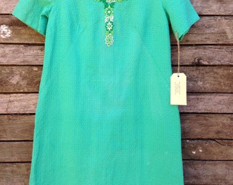 1960's Classic Green Embossed Cotton Shift Dress