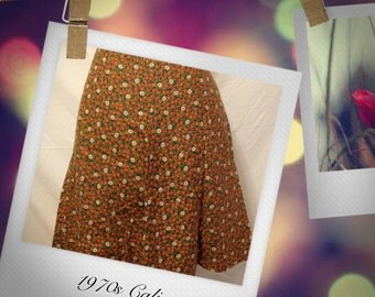 Vintage 1970s Calico Skirt 27 or 28 inch waist