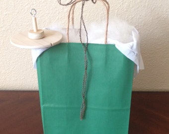 Beginners Drop Spindle Kit with 4 oz. Romney Wool.