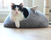 Pets bed / Cat bed - cat cave - cat house - size S ready to ship - eco-friendly handmade felted wool cat bed -  grey and natural white