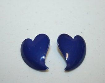 Heart Shape Earrings,heart earrings,blue heart earrings,metal heart earrings,blue 80s earrings,dark blue earrings,hipster earrings