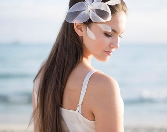 Bridal Headpiece with pearls and feathers, white headpiece with pearls