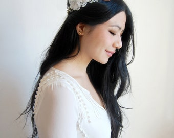 Bridal Floral Crown, White Flower Bridal Hairpiece, Woodland Flower Halo