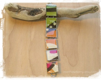 Vibrant Fabric Print Bracelet - Cloth Jewelry - Fabric Jewelry