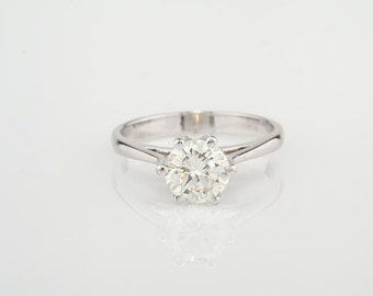 Exceptional 1.50 Ct brilliant cut solitaire diamond ring