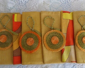 Linen Napkins 1970's with napkin rings Gold and Mod Print  Napkins Bright weaved Rings