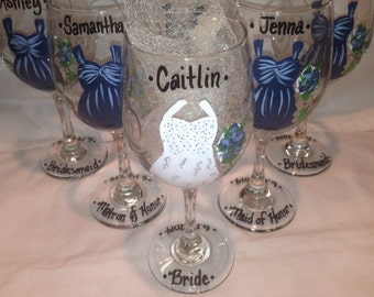 Wedding Glasses, Wedding Dress,Bridal Party, Handpainted Wine Glasses, Personalized Bridesmaides, Maid of Honor and Bride Wine Glass