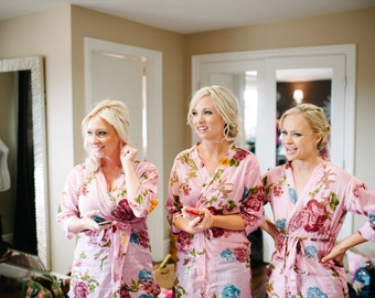 Set of 3 Light Pink Bridesmaids Robes Blooms Getting ready robe Bride Kimono robes, Maid of honor spa robe beach cover up