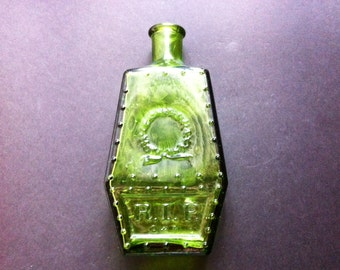 Wheaton NJ Coffin Shaped Bottle with Embossed Wreath, RIP, Coffin Nails, Extreme Green, Vintage 1971, Mint