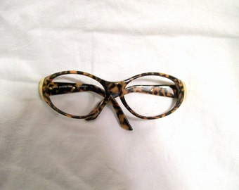Vintage-Gianfranco-Ferre-Leopard-Sunglass-Frames-Only-Pre-Owned