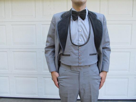1960s/1970s mens gray velour tuxedo