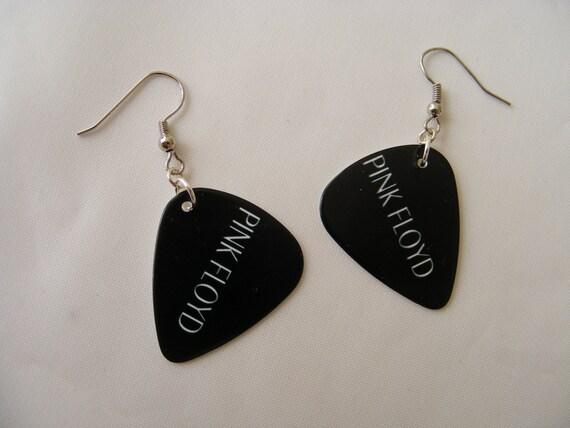 pink floyd black guitar pick earrings by erikalashoriginals. Black Bedroom Furniture Sets. Home Design Ideas