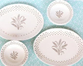 Golden Wheatness - Vintage Gold Wheat and Fleur De Lis Pattern Set of 5 Bowls and 2 Platters, White and Gold