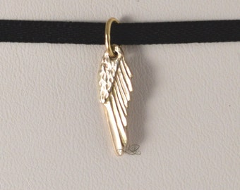 Mini Wing, 10k gold reversible pendant