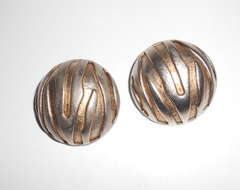 Vintage earrings, abstract dome earrings 1970s round clip on earrings