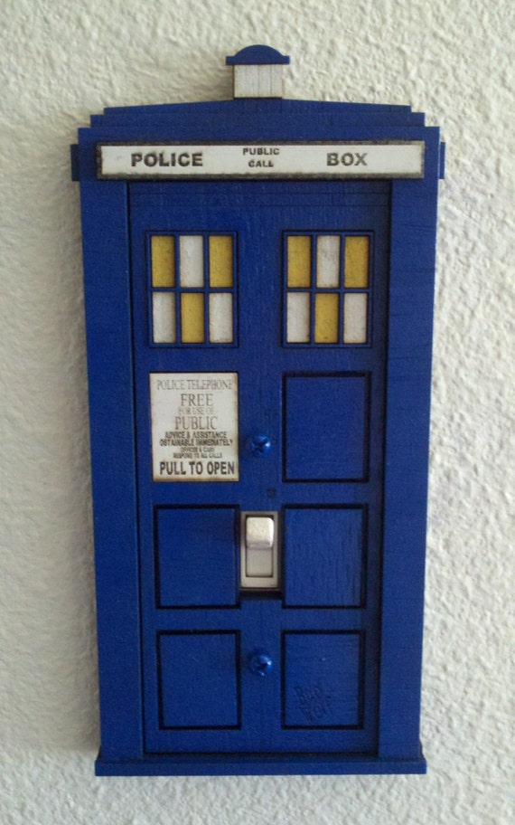 Doctor who tardis switch plate cover by virtuallyvintageco for Tardis light switch cover