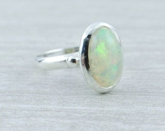 Gorgeous Ethiopian Opal in Austere, Simple Sterling Silver Mounting 3HN3W3-D