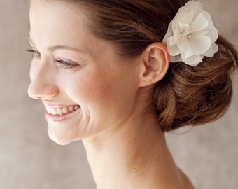"Bridal Silk Flower, Wedding Hair Flower, Headpiece - ""Cosima"""