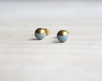 dainty wooden stud earrings gray gold bronze dipped // wood post earring studs - 6 mm // everyday jewelry, eco-friendly