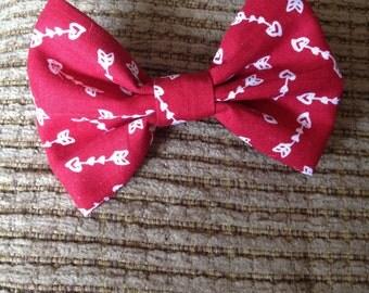 Red heart arrow hair bow