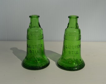 Liberty Bell Miniature bottle Green Mini Wheaton Glass bottle Wheaton Green Liberty Bell bottle - Collectible glass I ship Worldwide
